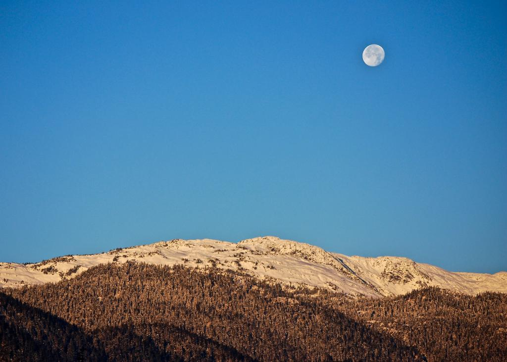 A full moon captured on a crisp morning in Kitimat, BC.