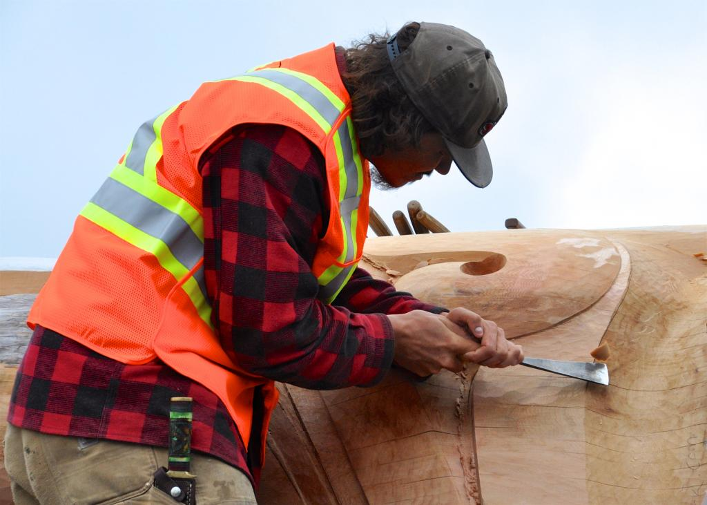 Gwaliga Hart carving Reconciliation Pole