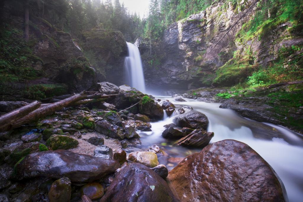 This was the first stop on a mini road trip to Revelstoke with my one year old daughter. She didn't really like the cold mist much. However, the sound of the waterfalls sure got her attention. We has this place all to ourselves all morning.