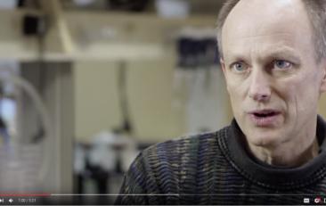 The World of Microbes   Brett Finlay
