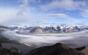 Science behind ice sheet melt off provides insight into climate change